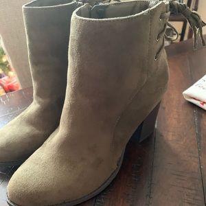 Ladies booties 🎄